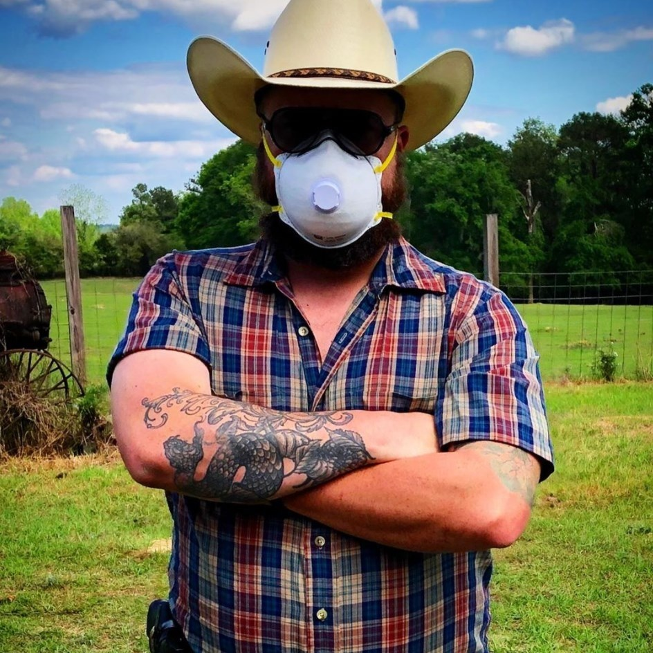 Zack Kennison Returns To Run The Farm & Creates REAL Country Music